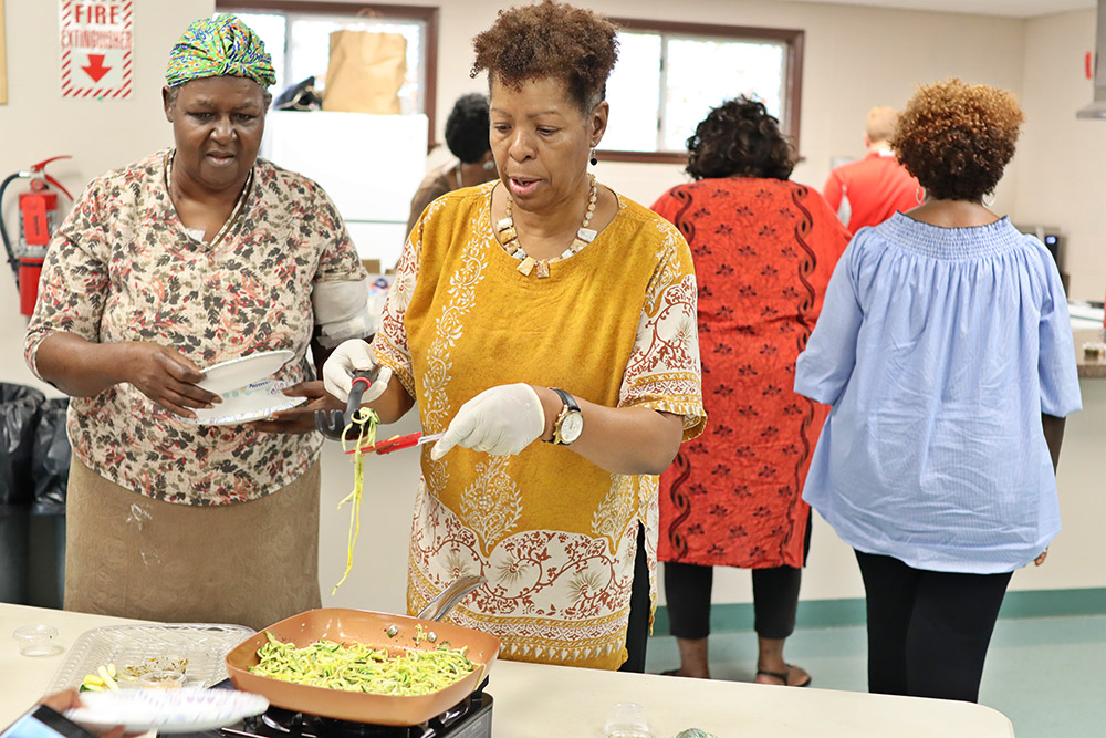Rx Program Participants Learn to Cook a Healthy Meal